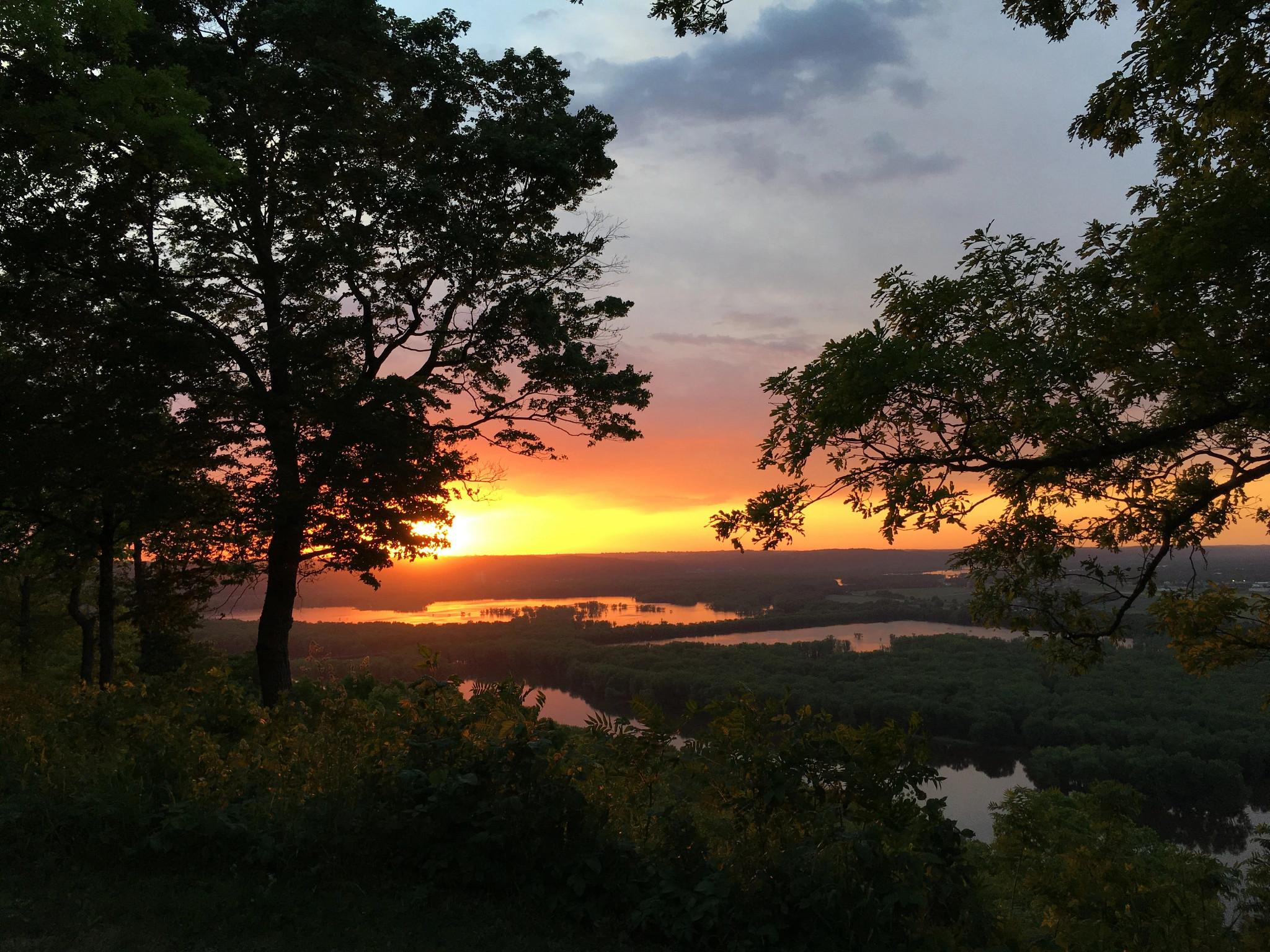 landscape photo of sunset over Wyalusing State Park